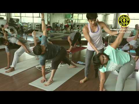 Group Yoga Workout @ Gold's Gym - Richmond Town, Bangalore