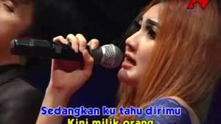 Video Nella Kharisma Ft. Dendra - Satu Hati  (Official Music Video) download MP3, 3GP, MP4, WEBM, AVI, FLV Desember 2017