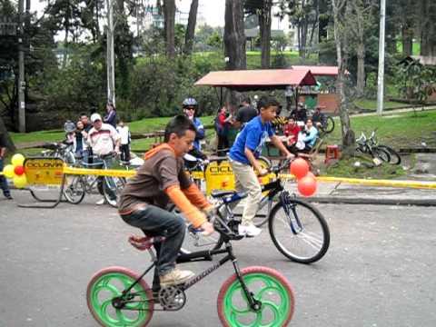 Dia de la bicicleta, carrera lenta - niños
