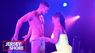 Vinny Takes It All Off For Jenni On Stage | Jersey Shore: Family Vacation
