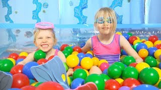 """The Ocean Ball Pit Show"" for learning colors -- children's educational video"