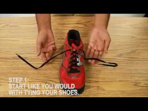 Cách buộc dây giày nhanh nhất (How To Tie Your Shoes Quickly).flv