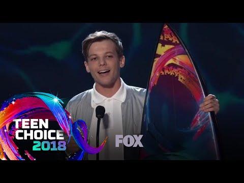 Louis Tomlinson Wins Choice Male Artist | TEEN CHOICE