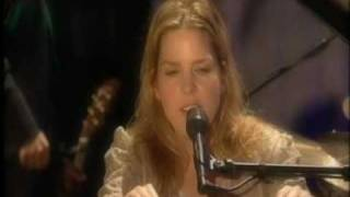 Watch Diana Krall Love Me Like A Man video