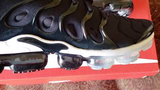 489bb0459775 Unboxing and Review of the Black Anthracite-White Vapormax Plus ...