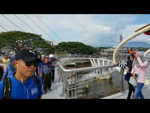Darul Hana Pedestrian Bridge @ Kuching Waterfront