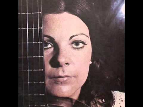 Maria Lívia São Marcos plays 12 Etudes for solo guitar by Villa-Lobos