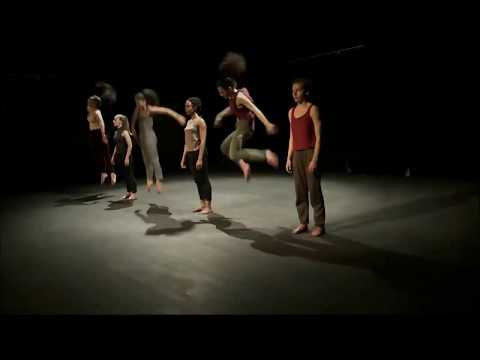 Contemporary dance performance - Berlin Dance Institute
