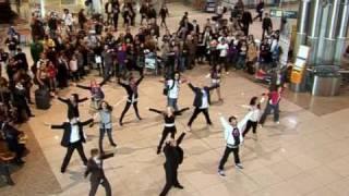 KLM Portugal - Flashmob Aeroporto de Lisboa - Vídeo Oficial