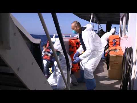 MOAS rescues 700 migrants - www.moas.eu