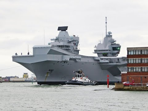 HMS Queen Elizabeth arriving in Portsmouth after sea trials