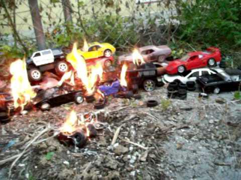 Exotic Car Junk Yard Fire 1 18 Ferrari Lamborghini Porsche Hummer