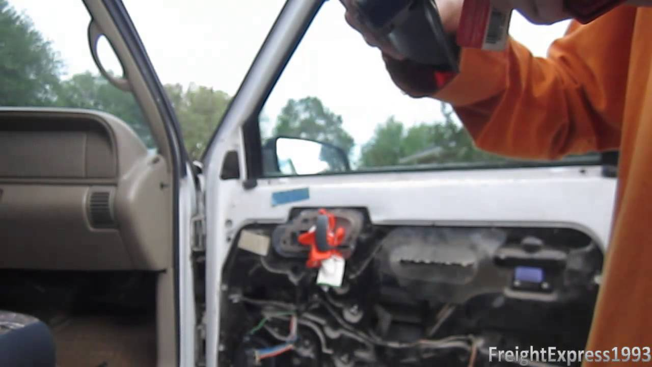 How To Change The Exterior Door Handle The Easy Way On A '88'98 Chevy CK Pickup & GMC Sierra