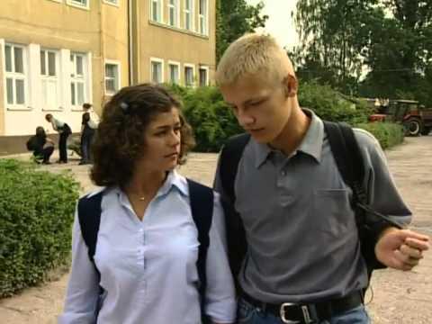 """""""M jak miłość"""": Piotrek wprasza się do Kingi"""
