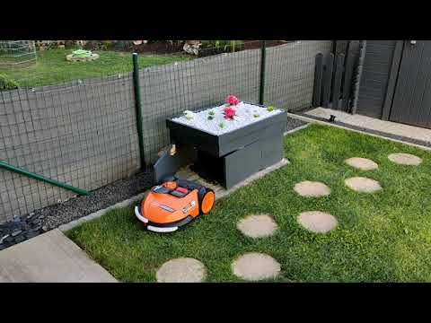 Robot lawn mower garage for Worx Landroid S