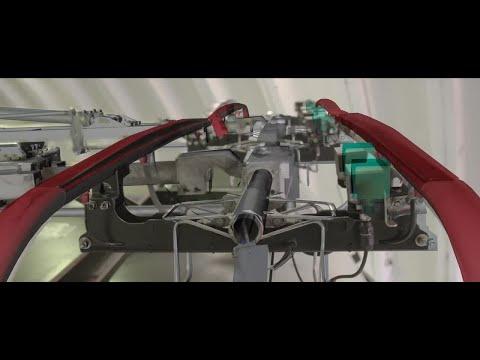 Siemens revolutionizes truck maintenance with Microsoft HoloLens and Dynamics 365