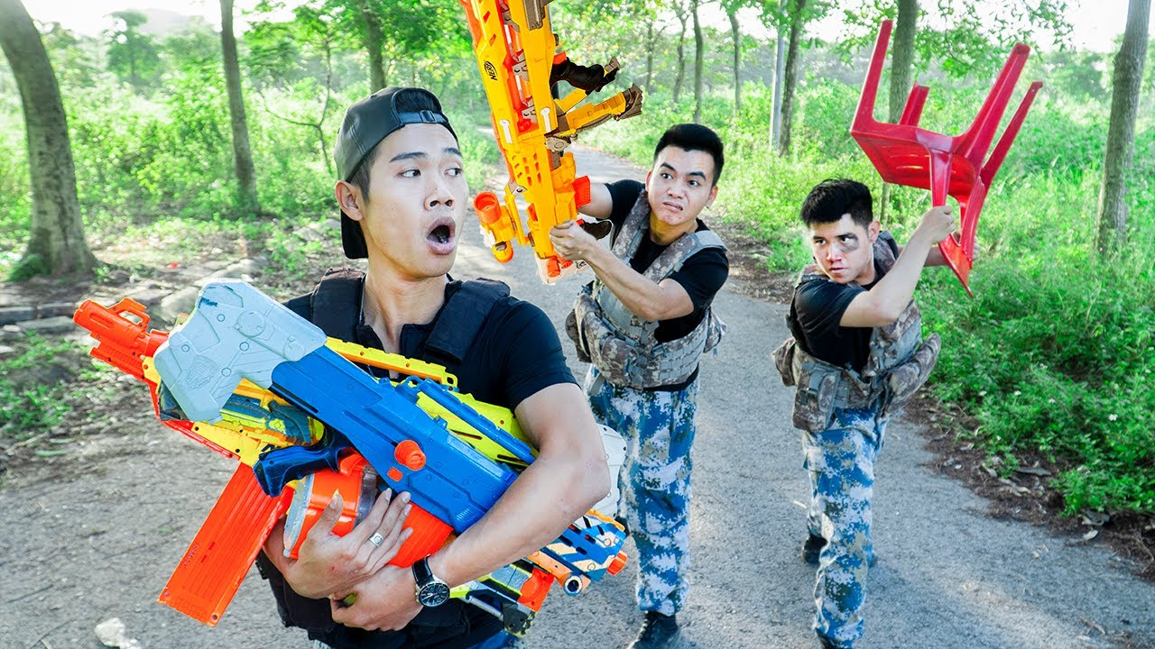 Battle Nerf War: Smart People & Blue Police Nerf Guns Robbers Group MISSION THIEF BATTLE