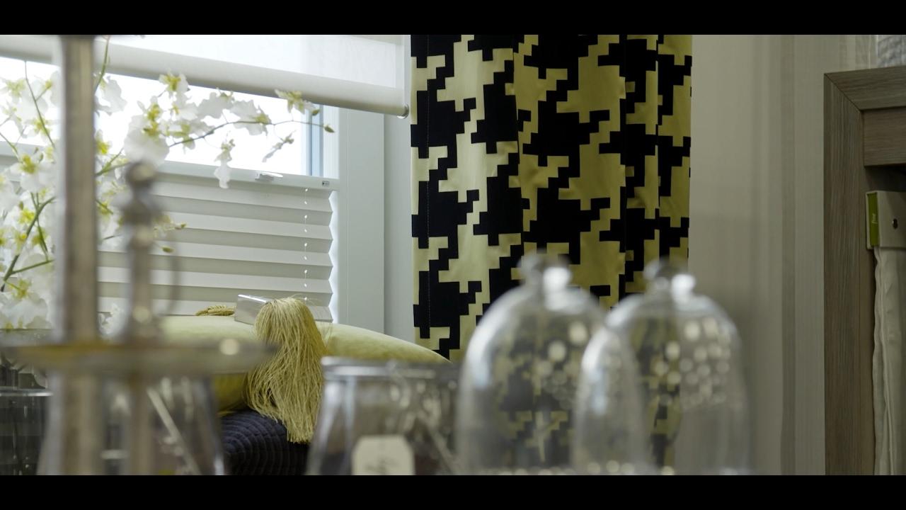 alter trend gardinen sind wieder in youtube. Black Bedroom Furniture Sets. Home Design Ideas