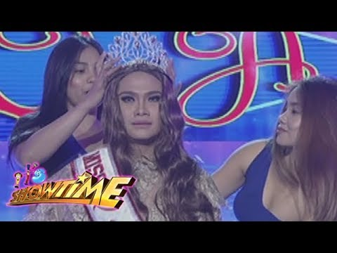 It's Showtime Miss Q & A: Reyna Salazar Clamor crowned as the new Miss Q and A