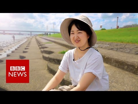 Rent-a-sister: Coaxing Japan's hikikomori men out of their bedrooms - BBC News