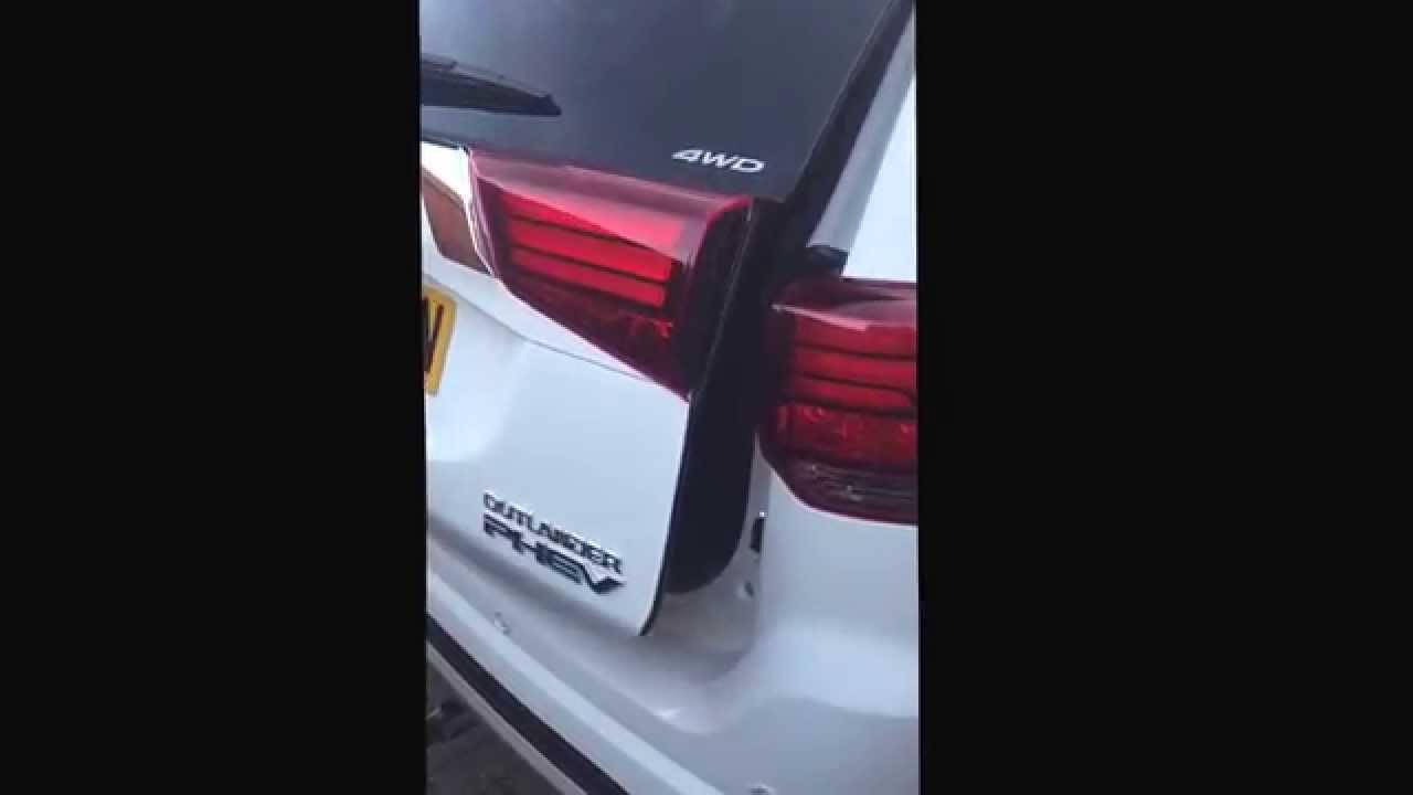 Mitsubishi Outlander PHEV boot size