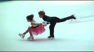 Twin 5 year olds Katarina and Dakota skate a pairs routine December 2009
