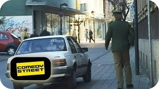 Polizist | Rowdy - Comedystreet mit Simon Gosejohann