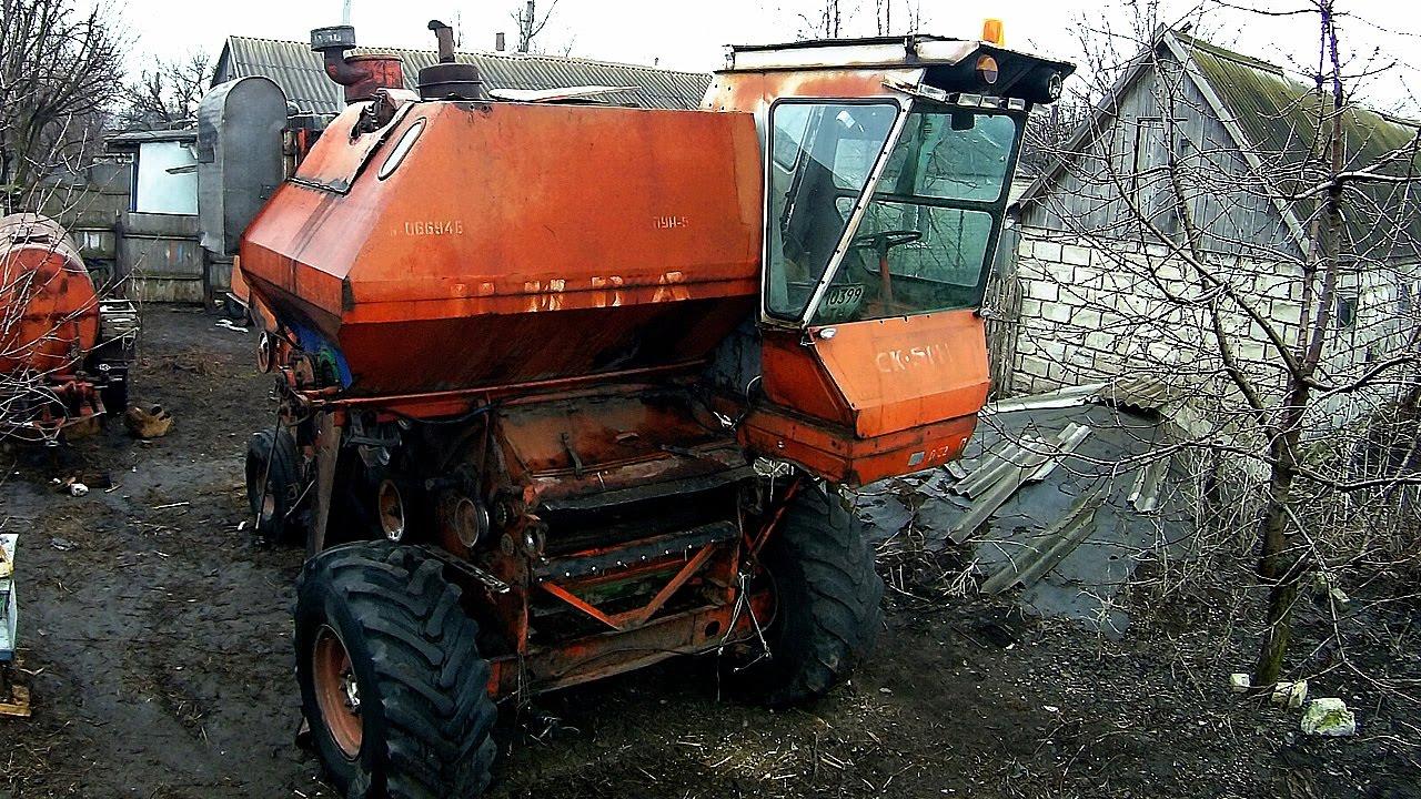 Комбайн НИВА СК 5 подготовка к уборке - цепляем зерновую жатку .