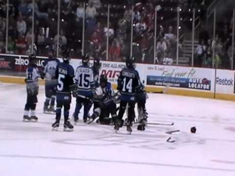 Glacier Hockey Fight In Hershey Pa 2012 Squirt Youtube