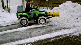 Repeat youtube video 2006 Arctic Cat ATV snow plow part 1