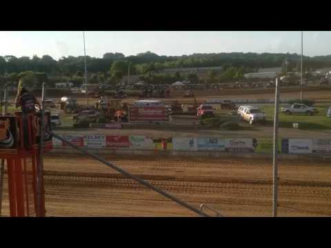 World of Outlaws Heat 3 Lawrenceburg Speedway
