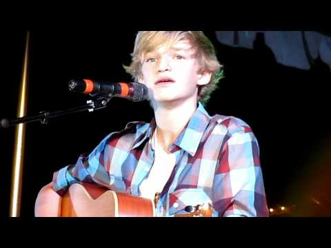 Cody Simpson- Summertime (live)