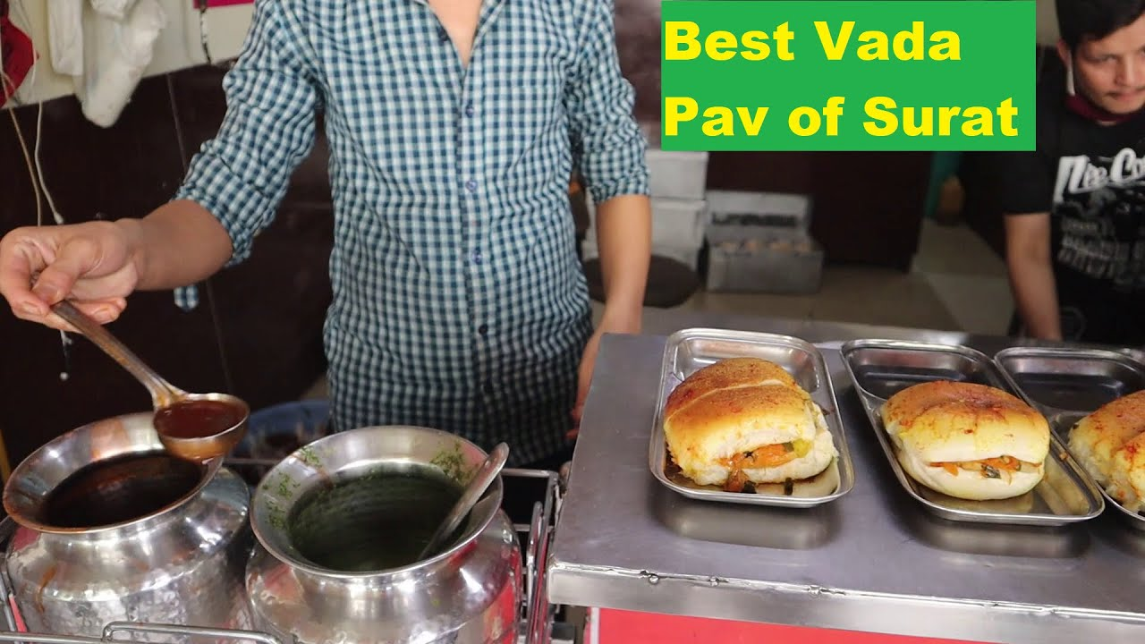 He is been Selling Chinese Vada Pav in Surat Since Last 18 Yrs | Rajnikanth Style Vada Pav Wala