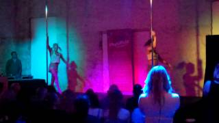 Narelle &amp Caitie Physipole Inhouse Finals 2014