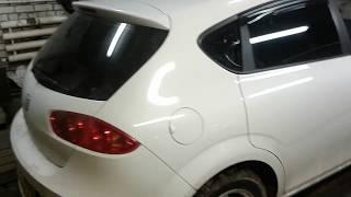разборка обшивки передней двери на SEAT Leon
