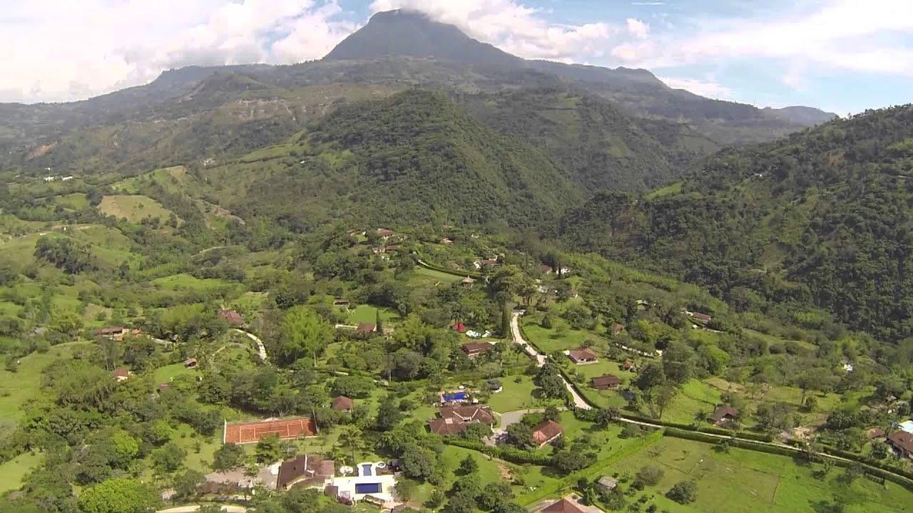 1274 paneo de casas de campo aereo paisajes rurales - Paisajes de casas de campo ...