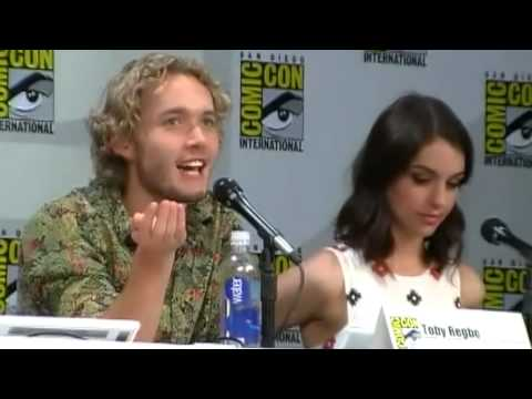 Toby Regbo Talks Fake Sex During Reign Panel Comic Con 2014