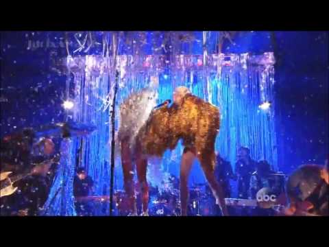 """""""Lucy In The Sky With Diamonds"""" HD Miley Cyrus Ft. Wayne Coyne (Billboards2014)"""