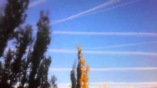Таинственные следы в небе!  Where do they all fly?