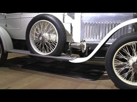 'World's original sports car' up for auction   BBC News