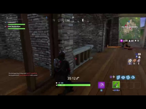 Fortnite battleroyal gameplay and chat