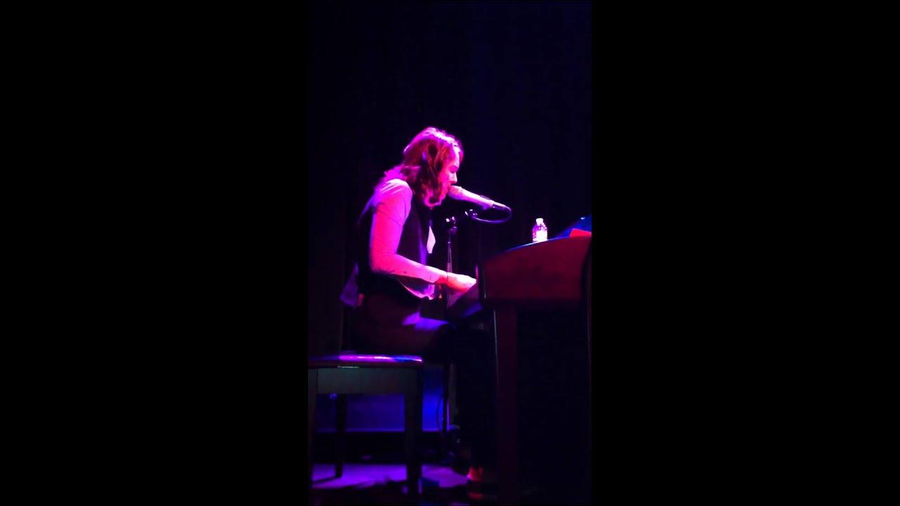 Brandi Carlile - Forever Young - Live at Benaroya Hall ...