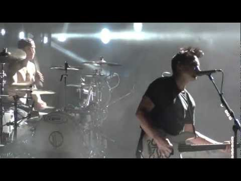 Blink 182 Down - I Missed You Live Montreal 2011 HD 1080P mp3