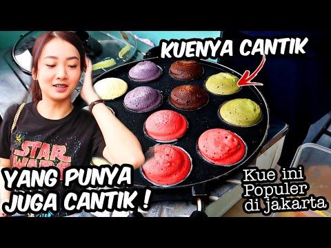 nyobain-kue-yang-populer-di-jakarta-ini---yang-punyanya-cantik-lurrr-!-indonesian-street-food