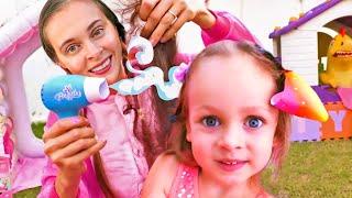 Salón de belleza - Canciones Infantiles | Maya y Mary