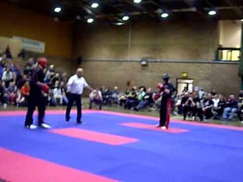 Elliott Moore vs Lee Murray NWCKB Fight show