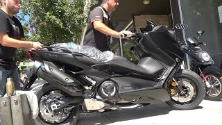 unboxing the 2020 YAMAHA TMAX 560 and tuning it right away with AKRAPOVIC MALOSSI and more...