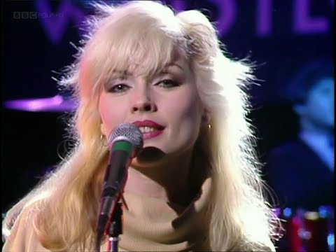 Blondie - I'm always touched by your presence dear - Lyrics