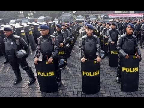 """Jakarta """"Dikepung"""" Brimob, People Power Rontok"""