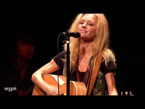 "Shelby Lynne ""I Can't Imagine"" (Live at Non-Comm 2015)"